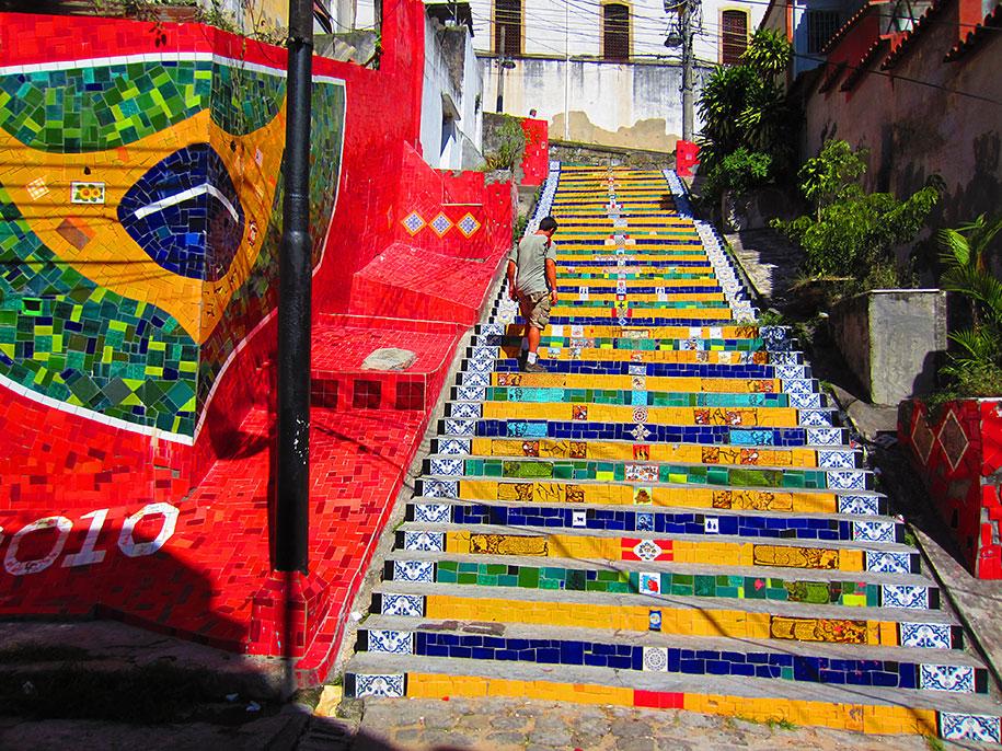 Картины и картинки - Страница 7 Creative-beautiful-steps-stairs-street-art-2