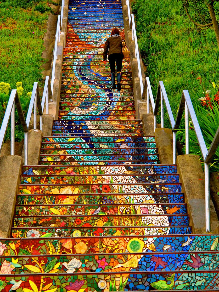 Картины и картинки - Страница 7 Creative-beautiful-steps-stairs-street-art-9