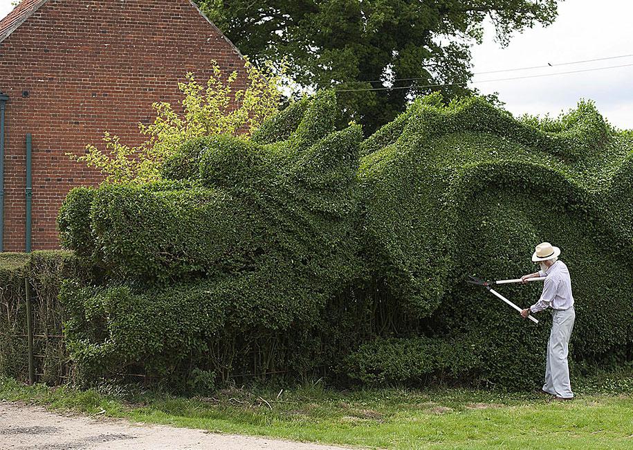 Elderly Gardener Spent The Last 13 Years Turning His 150 ...