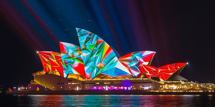 Light Turns Sydney S Buildings Into Dazzling Works Of Art