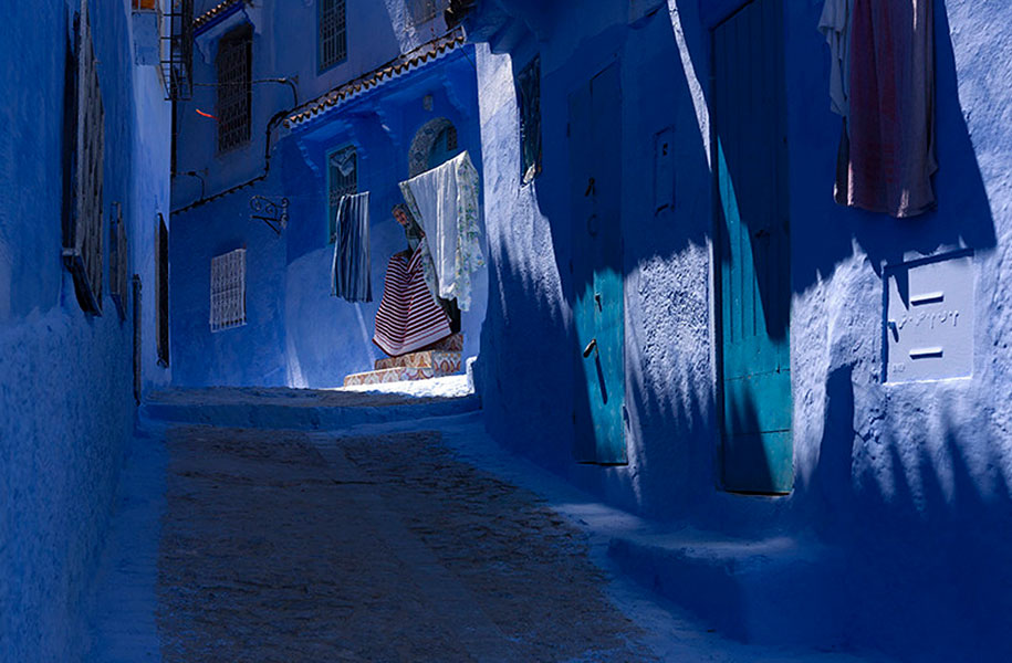 blue-town-walls-chefchaouen-morocco-8