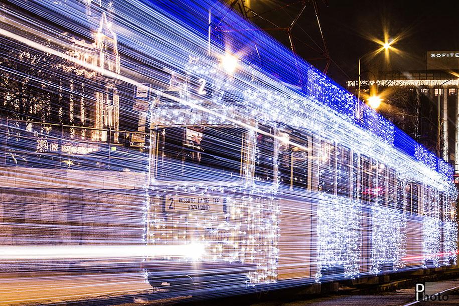 christmas-tram-budapest-led-lights-long-exposure-3