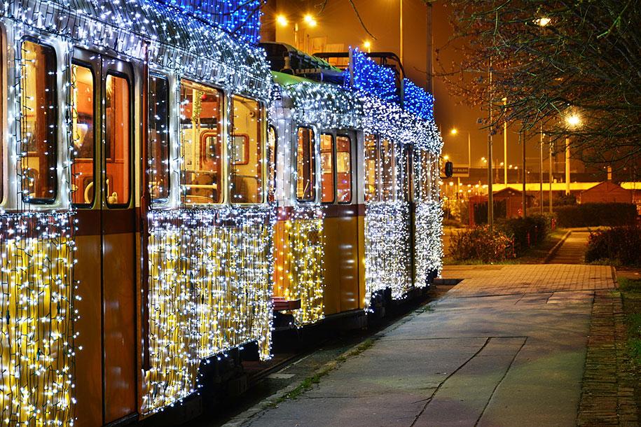 christmas-tram-budapest-led-lights-long-exposure-5