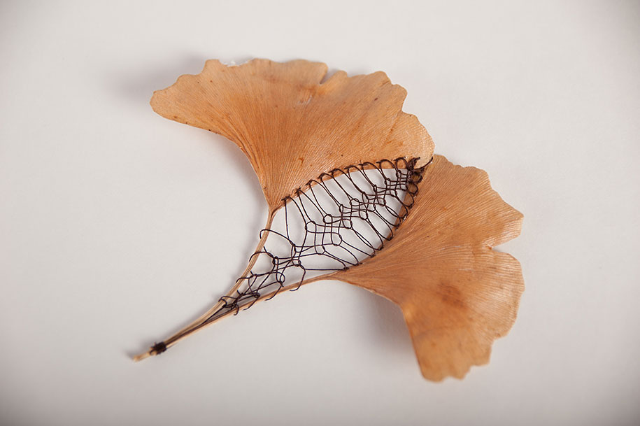 embroidery-art-stitched-leaves-hillary-fayle-4