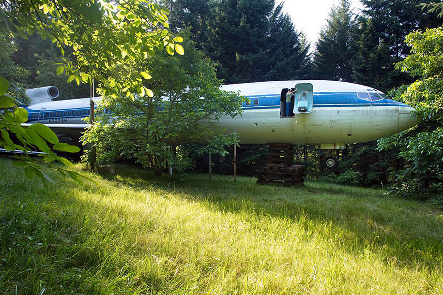 old-boeing-727-recycled-plane-home-bruce-campbell-15