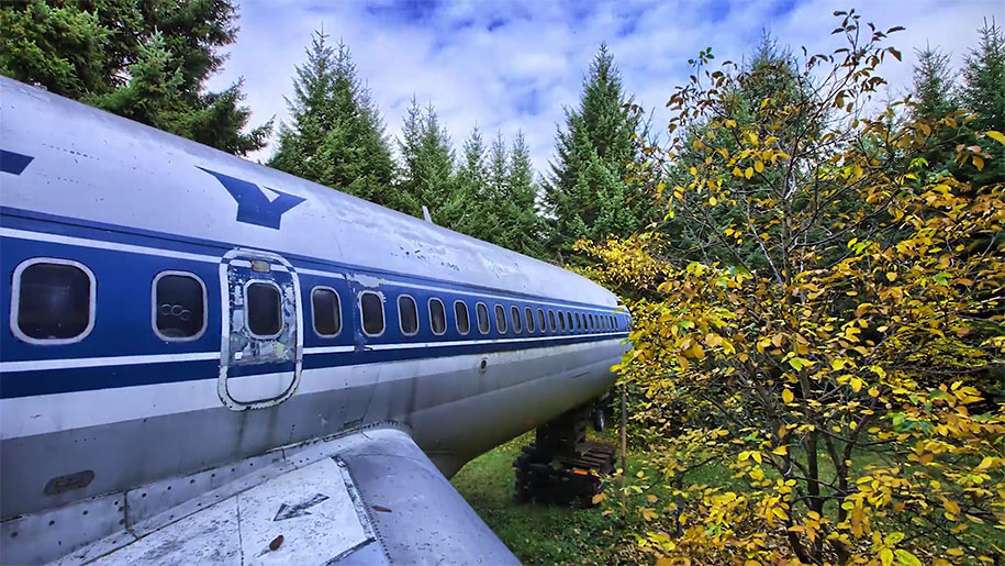 old-boeing-727-recycled-plane-home-bruce-campbell-21