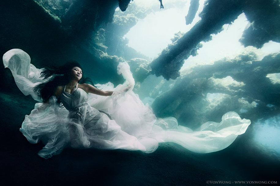 underwater-photography-shipwreck-bali-benjamin-von-wong-3