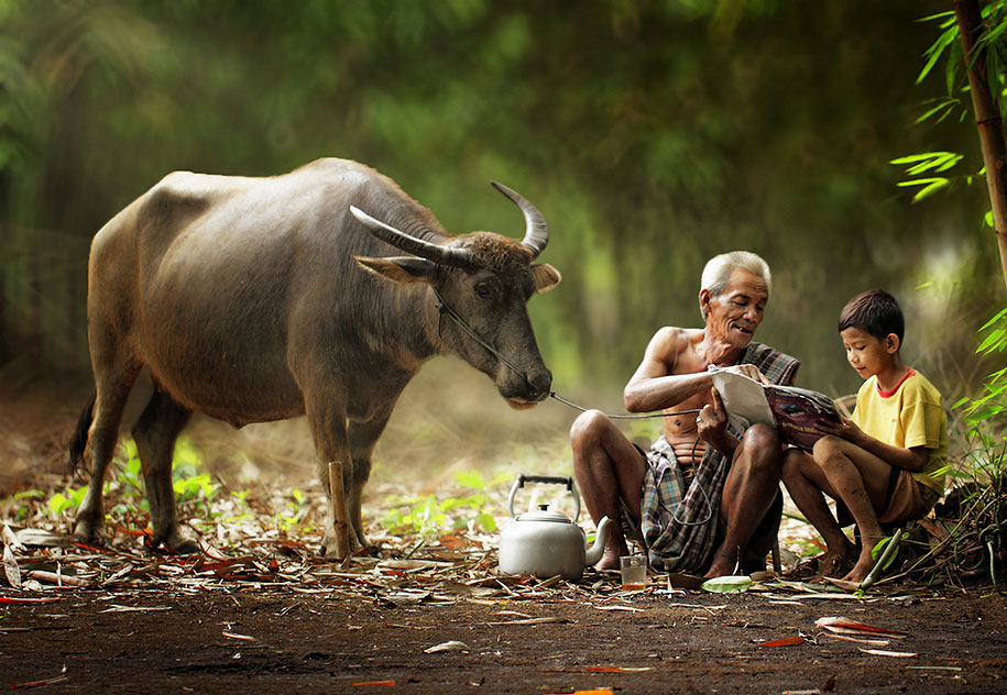 Everyday Lives Of Villagers In Indonesia Captured In