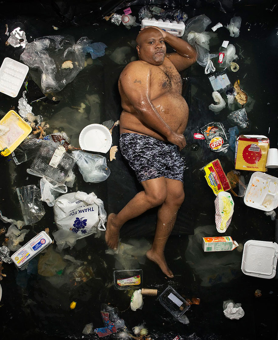 7-days-of-garbage-environmental-issues-photography-gregg-segal-1