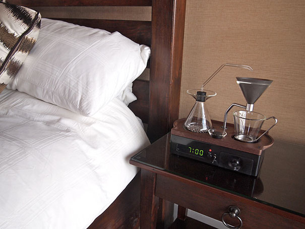 barisieur-alarm-clock-coffee-maker-joshua-renouf-12