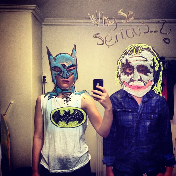 bathroom-mirror-selfies-funny-illustration-art-mirrorsme-21