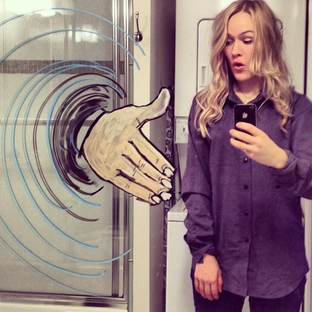 bathroom-mirror-selfies-funny-illustration-art-mirrorsme-9