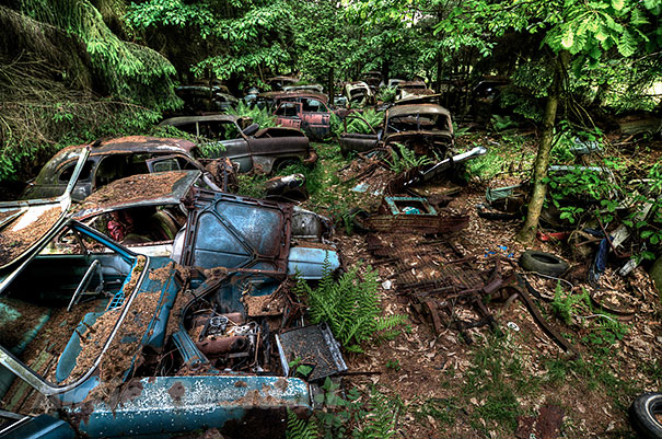 chatillon-car-graveyard-abandoned-cars-vehicle-cemetery-11