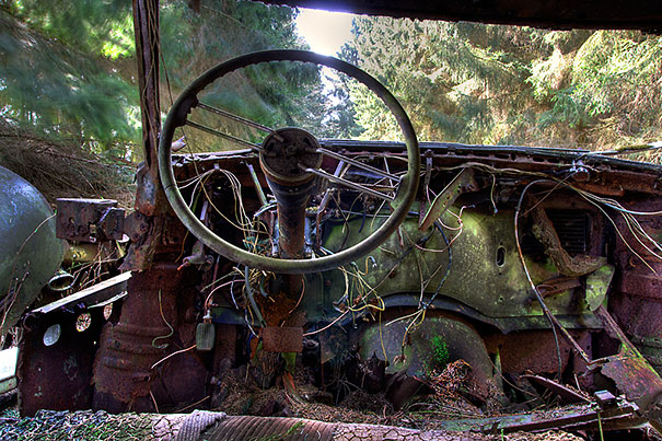 chatillon-car-graveyard-abandoned-cars-vehicle-cemetery-8
