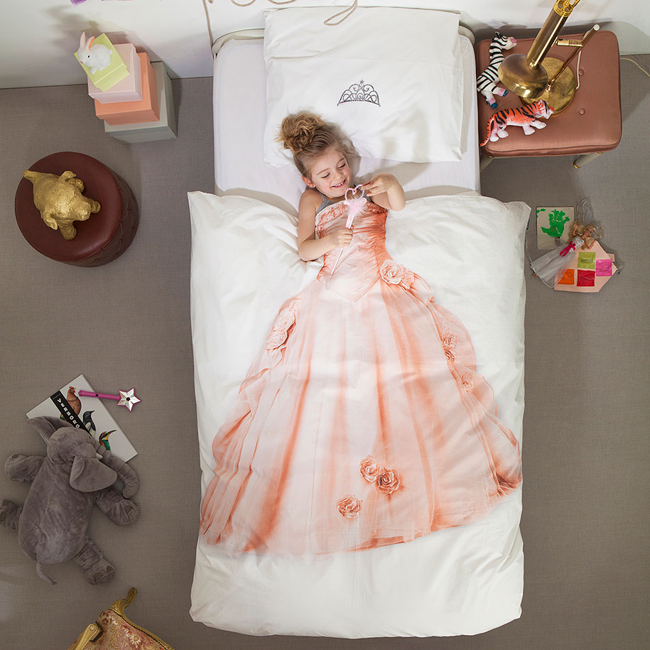 creative-bed-covers-wraps-bedding-10