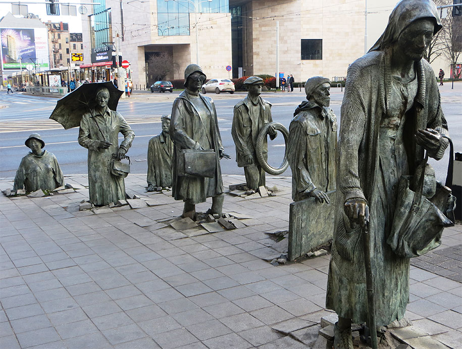 creative-statues-interesting-sculptures-3