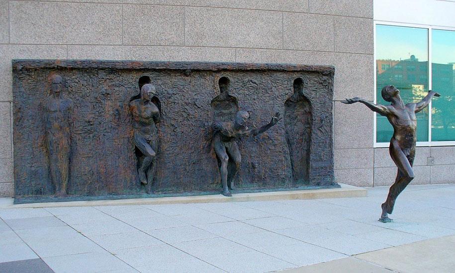 creative-statues-interesting-sculptures-8