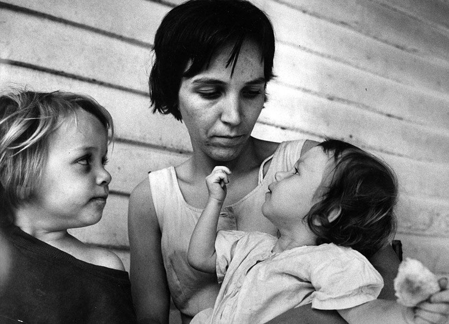 mothers-childhood-photography-family-ken-heyman-20