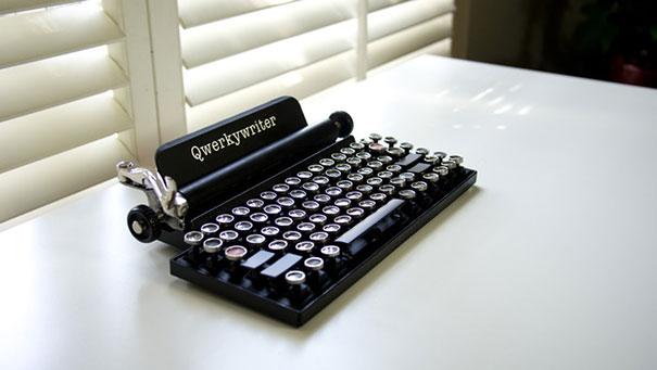 qwerkywriter-vintage-mechanical-typewriter-qwerkytoys-1