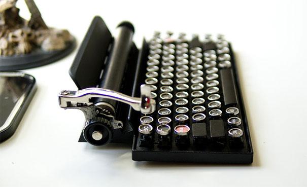 qwerkywriter-vintage-mechanical-typewriter-qwerkytoys-2