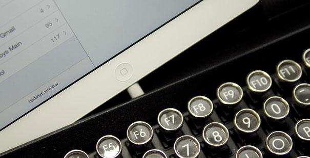 qwerkywriter-vintage-mechanical-typewriter-qwerkytoys-3