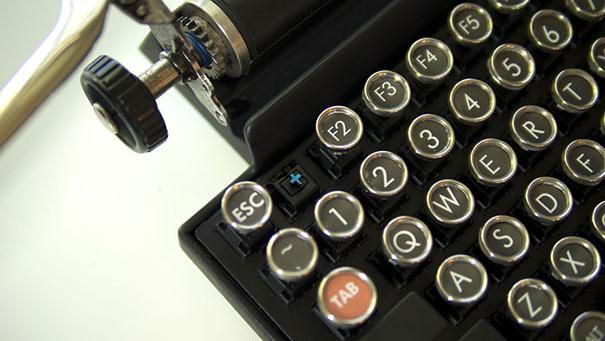 qwerkywriter-vintage-mechanical-typewriter-qwerkytoys-7