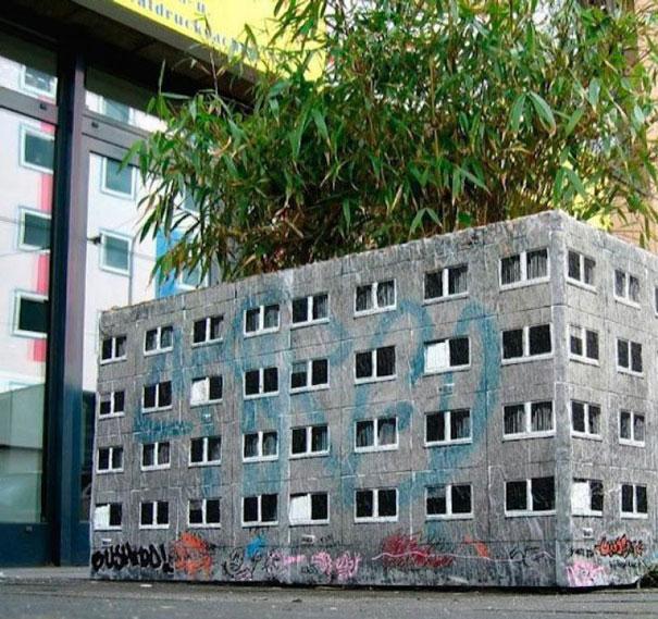street-art-interacting-with-nature-surroundings-44