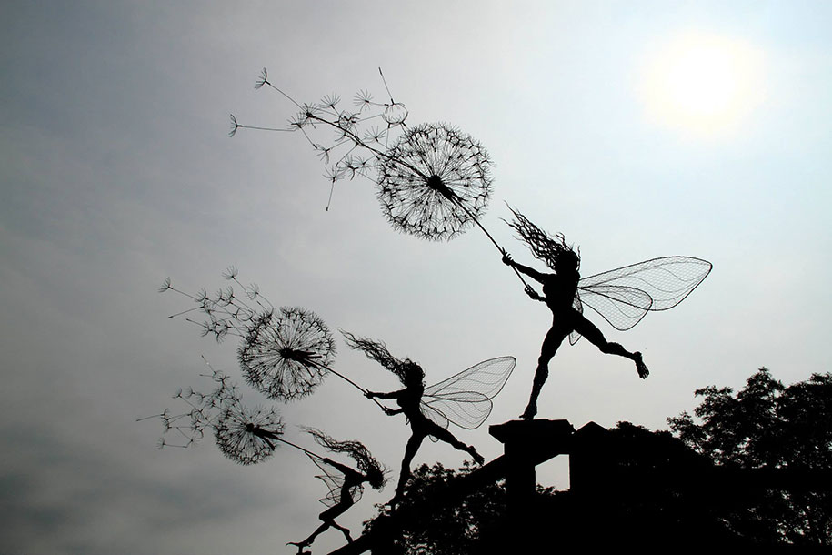 spectacular fairy sculptures made of wire by robin wight. Black Bedroom Furniture Sets. Home Design Ideas