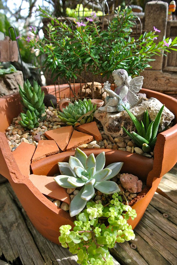 diy-broken-pot-fairy-garden-12