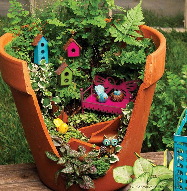 diy-broken-pot-fairy-garden-17