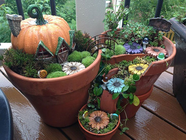 diy-broken-pot-fairy-garden-6
