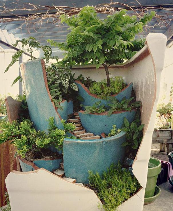 diy-broken-pot-fairy-garden-7