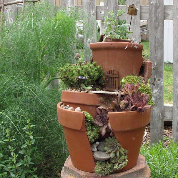 diy-broken-pot-fairy-garden-9