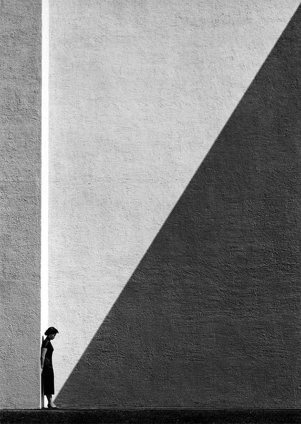 hong-kong-black-and-white-street-photography-ho-fan-10