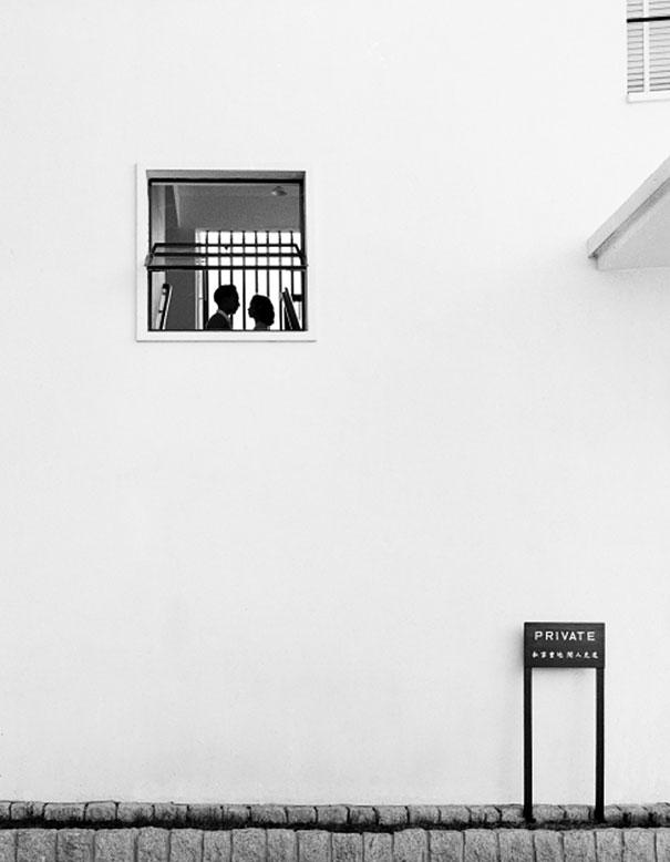 hong-kong-black-and-white-street-photography-ho-fan-20