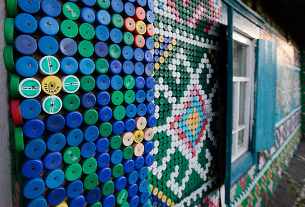 plastic-bottle-creative-recycling-design-ideas-31
