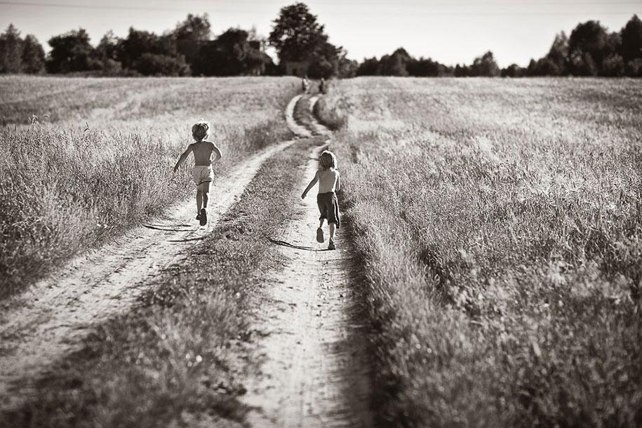 summertime-countryside-children-photography-izabela-urbaniak-1