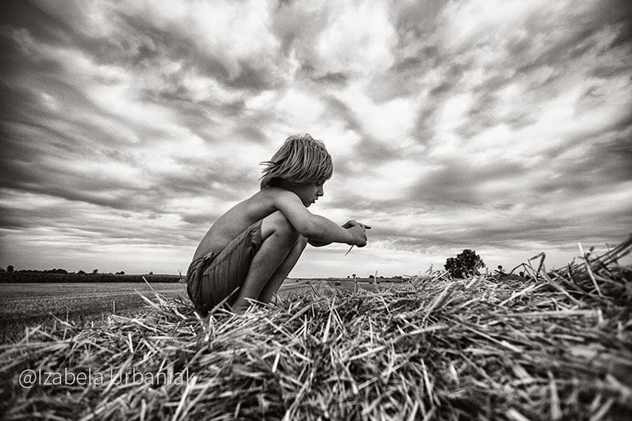 summertime-countryside-children-photography-izabela-urbaniak-23