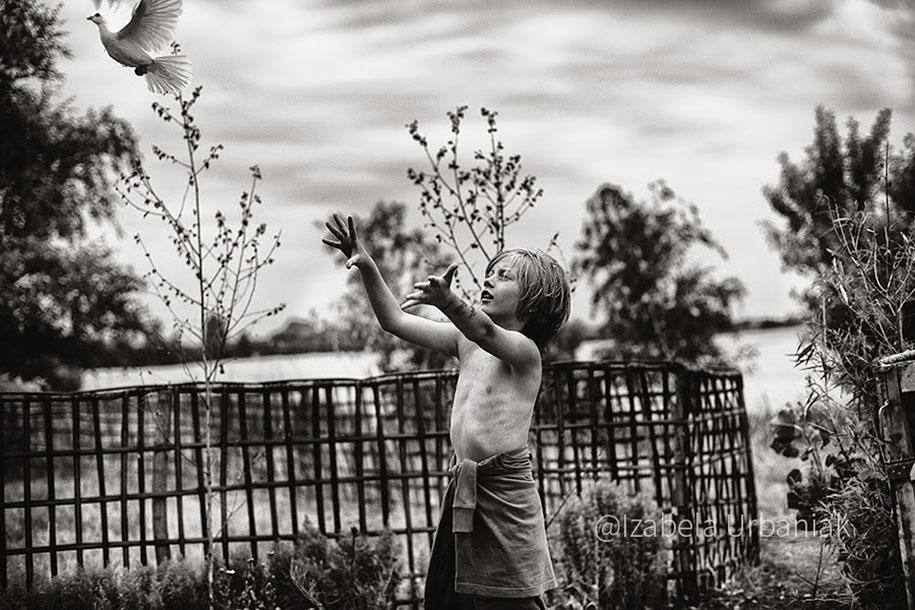 summertime-countryside-children-photography-izabela-urbaniak-25