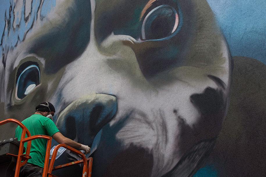 underwater-dog-mural-belgium-bart-smeets-smates-3
