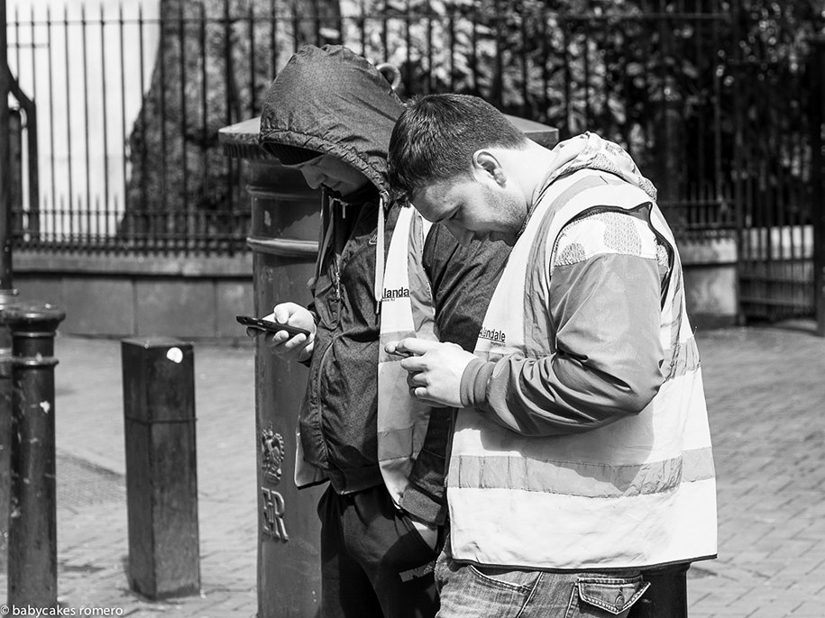 death-of-conversation-smartphone-obsession-photography-babycakes-romero-10