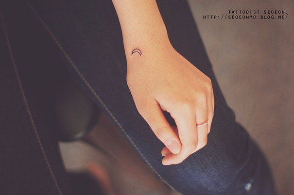 Minimal tattoos by seoeon that shine with modest beauty for Minimal art tattoo