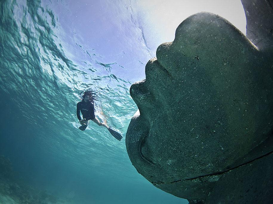 ocean-atlas-underwater-sculpture-bahamas-jason-decaires-taylor-4