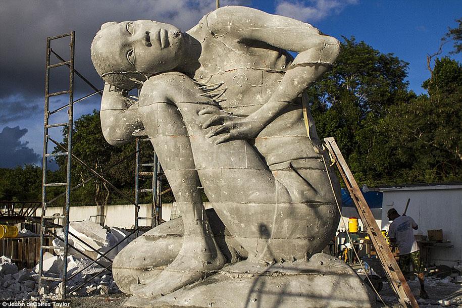 ocean-atlas-underwater-sculpture-bahamas-jason-decaires-taylor-5