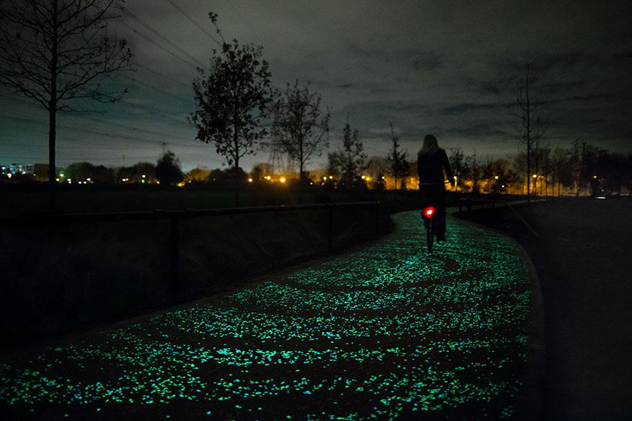 led-glowing-van-gogh-bicycle-path-nuenen-netherlands-daan-roosegaarde-8
