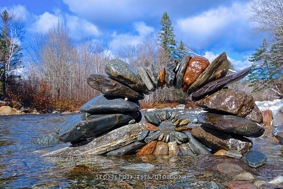 Natural Stone Art : Artist leaves beautiful installations in public spaces to