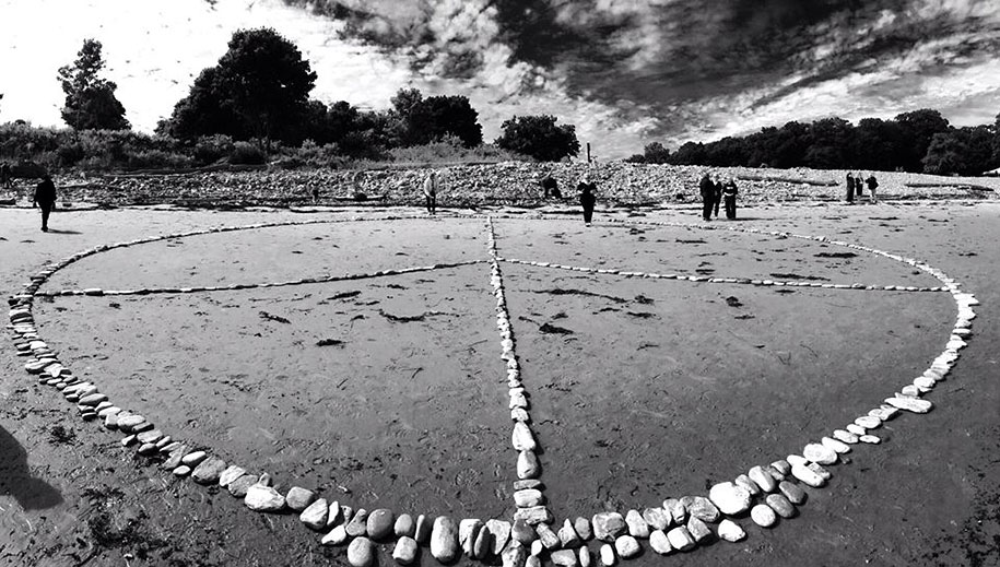 natural-art-public-intallation-stones-david-allen-7