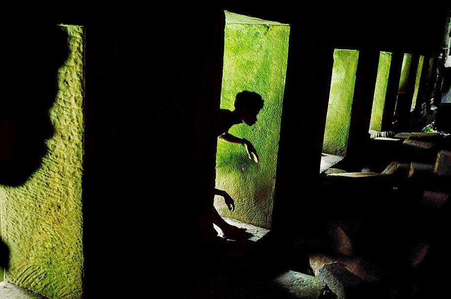 oltre-lo-sguardo-portraits-travel-photography-steve-mccurry-4