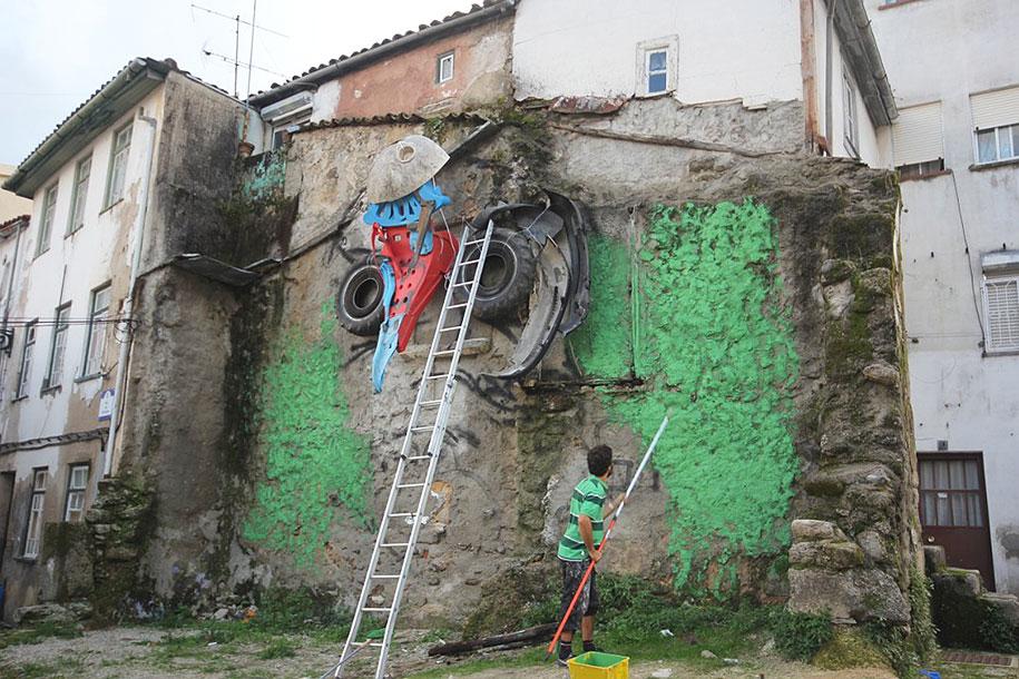 owl-eyes-recycled-sculpture-street-art-artur-bordalo-4