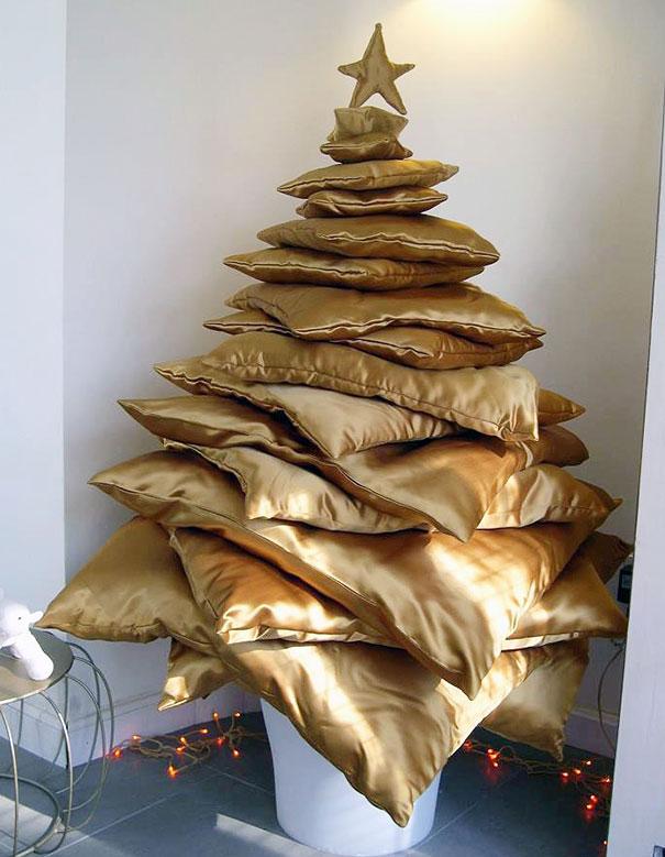 diy-chirstmas-tree-designs-recycling-holidays-27